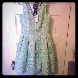 Betsy Johnson Sz 2 green dress NWT